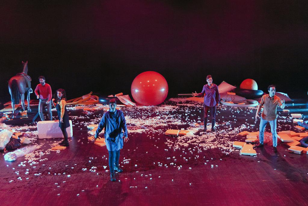 helium-x-Die-grosse-Krise-Foto-Nelly-Rodriguez-26.jpg